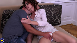Blowjob,Glasses,Hairy,Handjob,Fucking,Housewife,Mature,MILF,Old and young,Petite
