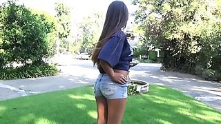 Blowjob,Brunette,Latina,Outdoor,Reality,Teen