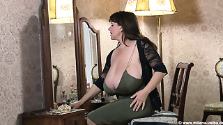 Big Ass,Big Boobs,Brunette,Fetish,Hidden Cams,High Heels,Mature,MILF,Oiled,Old and young
