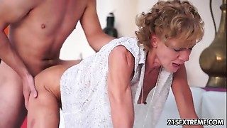 Ass licking,Big Ass,Blowjob,Brunette,Cumshot,Fingering,Grannies,Fucking,Kissing,Natural