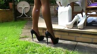 Fucking,High Heels,MILF,Outdoor,Public Nudity