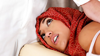 Arab,Babe,Blowjob,Massage