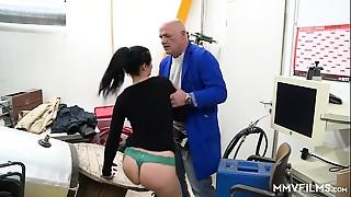 Anal,Ass licking,Big Ass,Blowjob,Brunette,Cumshot,Doggystyle,Facial,Fingering,Fucking