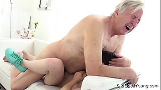 Blowjob,Brunette,Close-up,Creampie,Fucking,Small Tits,Teen
