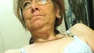 Blowjob,Close-up,Grannies,Mature,Old and young