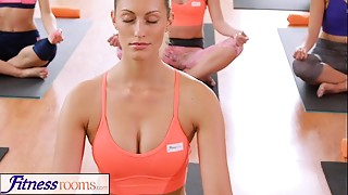 Babe,Gym,Panties,Yoga
