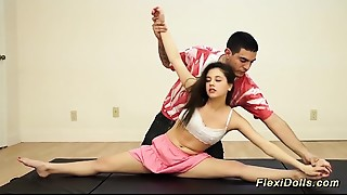 Blowjob,Flexible,Gym,Teen