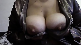 BBW,Big Ass,Big Boobs,Fingering,High Heels,Masturbation,Mature,MILF,Pissing,Stepmom