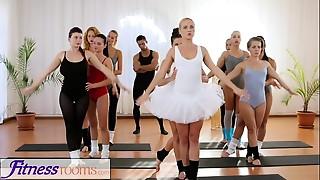 Babe,Gym,Panties,Petite,Threesome,Yoga