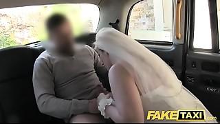 Amateur,Car Sex,Cumshot,Doggystyle,Fake,Homemade,POV,Reality