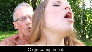Babe,Big Cock,Blowjob,Brunette,Cumshot,Daddy,Doggystyle,Grannies,Fucking,Old and young