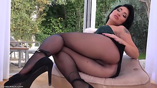 Brunette,Fetish,Masturbation,Panties,Pantyhose,Sex Toys