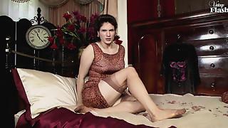 Beautiful,Brunette,Fetish,Hairy,Handjob,Fucking,Masturbation,Mature,MILF,Nylon